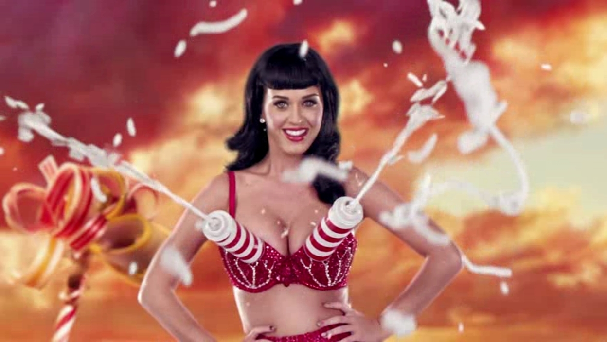 California-Gurls-Music-Video-Katy-Perry-Screencaps-katy-perry-19335294-1248-704