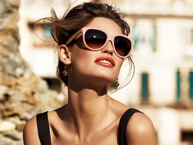 Best-sunglasses-for-women-with-small-faces-14