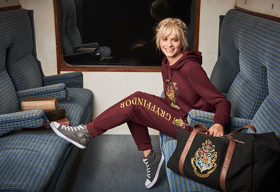 920-632-1-Primark-AW17-Womenswear-Harry-Potter-Tracksuits