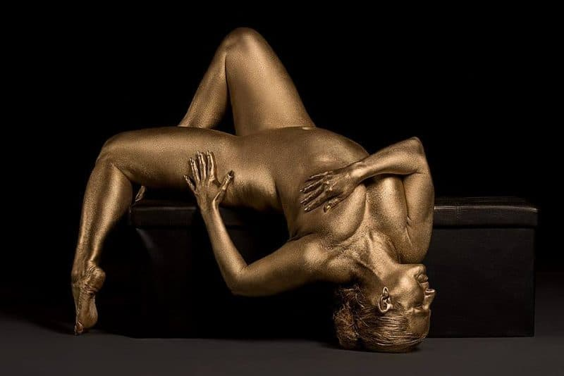 Metallic-Curves-by-Photographer-Silvana-Denker-7-800x534