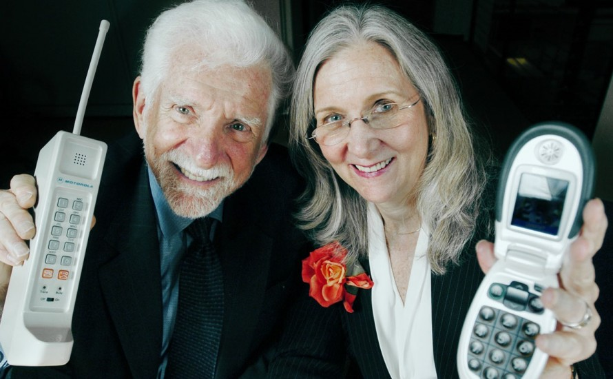 bz mobile -- PHOTO PROVIDED B Y GREAT CALL- Husband and wife team, Martin Cooper, inventor of the cellular telephone, and Arlene Harris, CEO of Great Call, creator of the Jitterbug Phone, and holder of multiple patents in the field of technology, hold their respective cell phone inventions for a portrait Thursday, March 23, 2006 in San Francisco, CA.  AP Photo/ Great Call, Erin Lubin, HO   ORG XMIT: CELL_PHONES_006_B.JPG