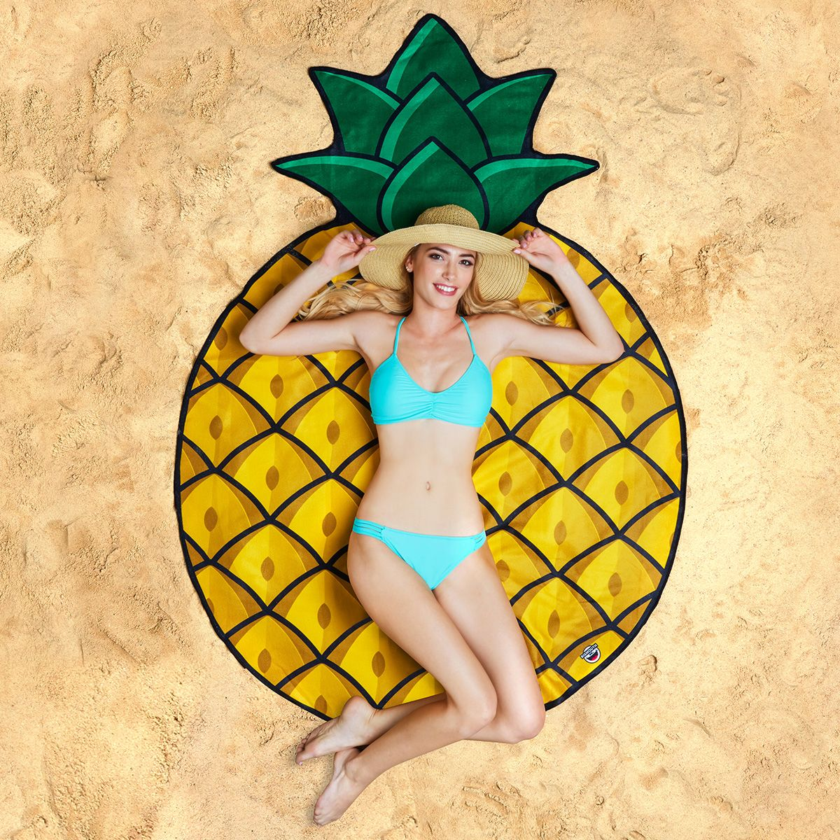 pineapple_beach_blanket_1